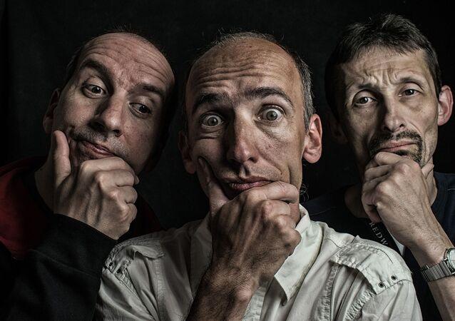 Tres hombres (imagen referencial)