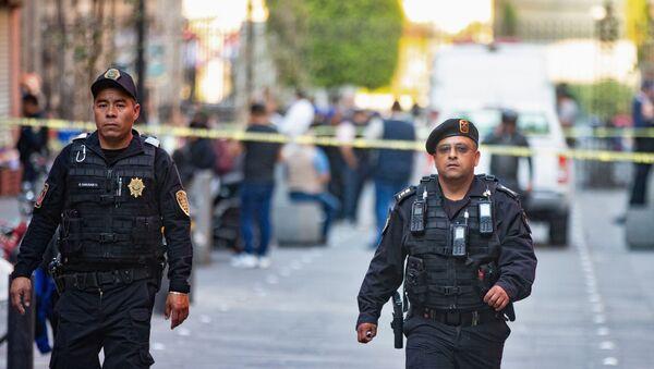 Policía de México en el lugar del tiroteo - Sputnik Mundo