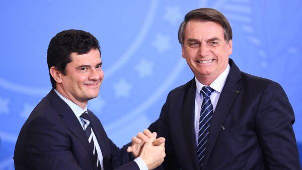 El ministro de Justicia y Seguridad Pública de Brasil, Sérgio Moro, y el presidente de Brasil, Jair Bolsonaro - Sputnik Mundo