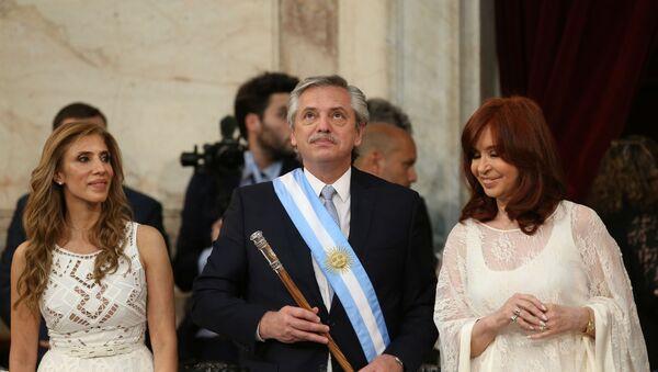 El presidente argentino Alberto Fernández junto a la vicepresidenta Cristina Fernández - Sputnik Mundo