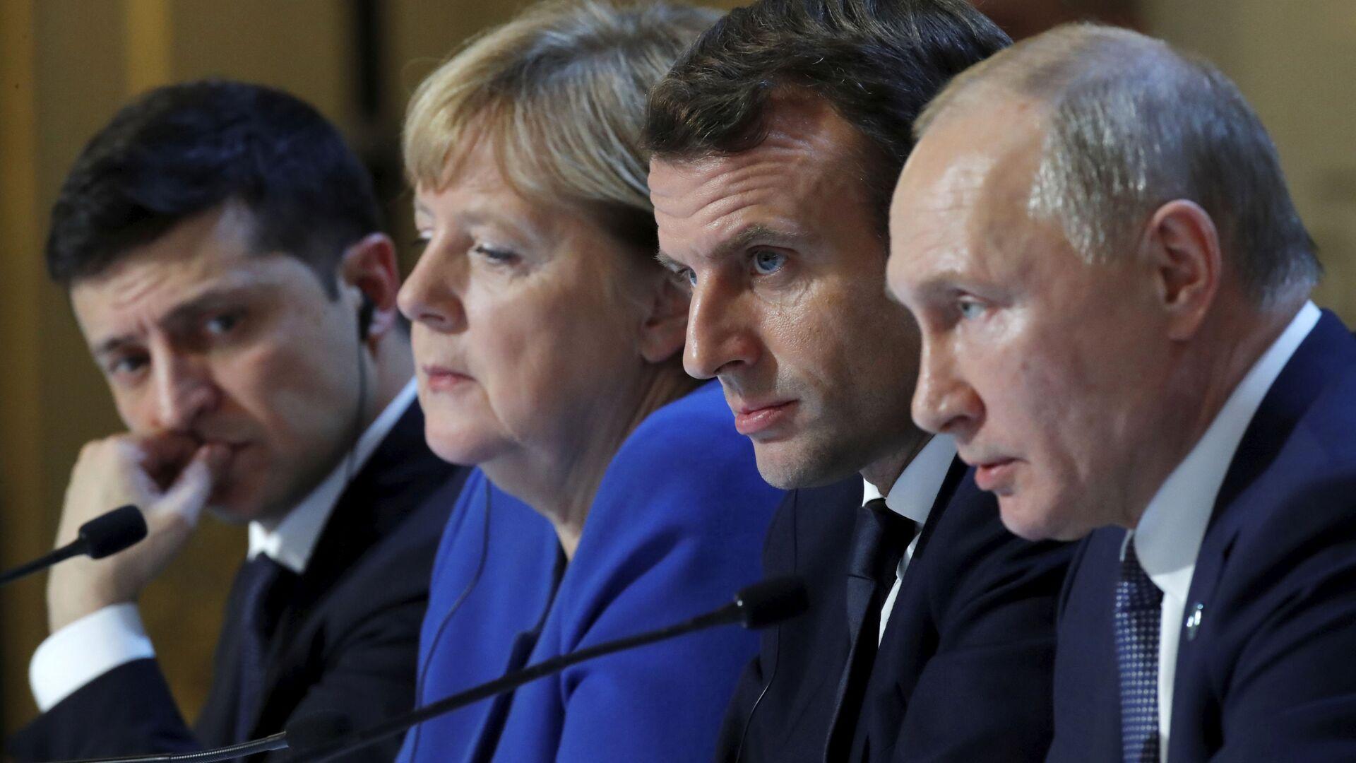 Los líderes del Cuarteto de Normandía: Volodímir Zelenski, Angela Merkel, Emmanuel Macron y Vladímir Putin - Sputnik Mundo, 1920, 16.04.2021