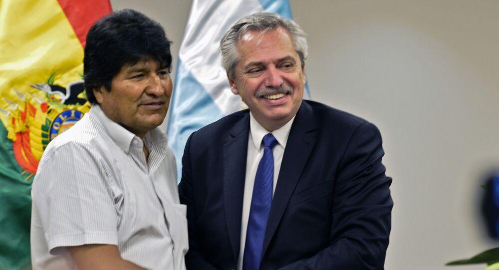 El expresidente boliviano, Evo Morales, junto al presidente de Argentina, Alberto Fernández