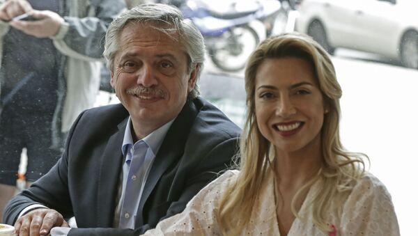 Alberto Fernández y Fabiola Yáñez - Sputnik Mundo
