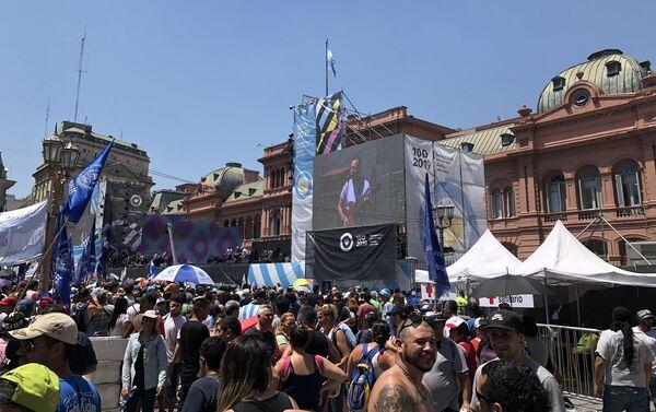 Decenas de bandas e intérpretes pasaron por el escenario montado frente a la Casa Rosada - Sputnik Mundo