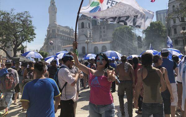 Las banderas del feminismo, el colectivo LGBT y las disidencias sexuales tuvieron gran representacion - Sputnik Mundo