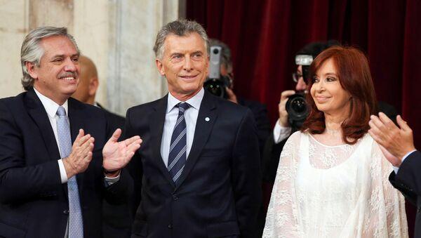 Alberto Fernández, Mauricio Macri y Cristina Fernández durante la asunción de Alberto Fernández como presidente de Argentina (10 de diciembre, 2019) - Sputnik Mundo