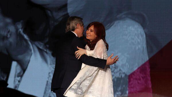 El presidente de Argentina, Alberto Fernández, junto a la vicepresidenta Cristina Fernández de Kirchner  - Sputnik Mundo