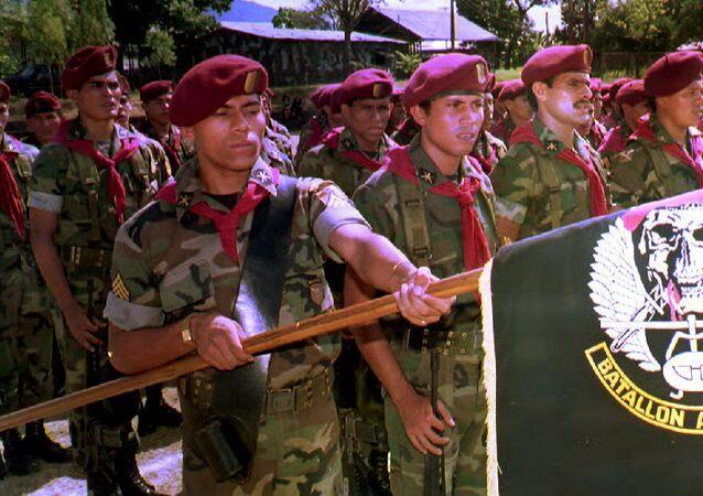 Soldados del Batallón Atlácatl, uno de los principales luchadores en la guerra civil salvadoreña