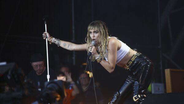 Miley Cyrus, cantante y actriz estadounidense - Sputnik Mundo