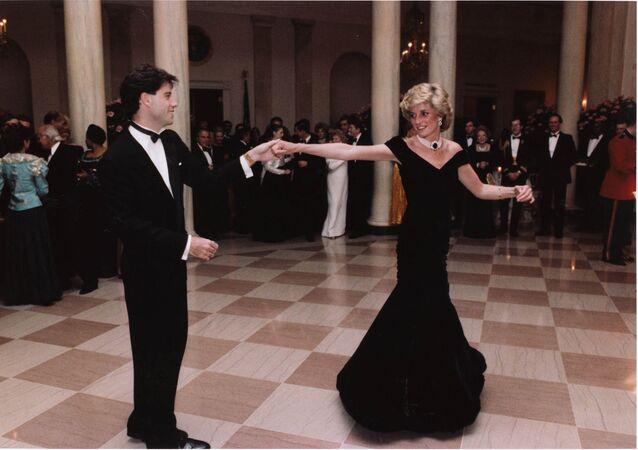 John Travolta baila con la princesa Diana en una cena en la Casa Blanca en Washington