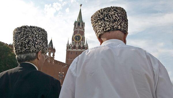 Dos chechenos en Rusia - Sputnik Mundo