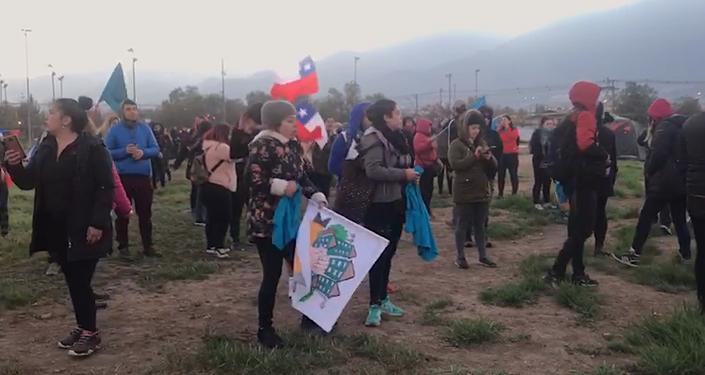 Toma simbólica de terrenos de Lo Hermida, comuna de Peñalolén, Santiago de Chile, el 11 de noviembre
