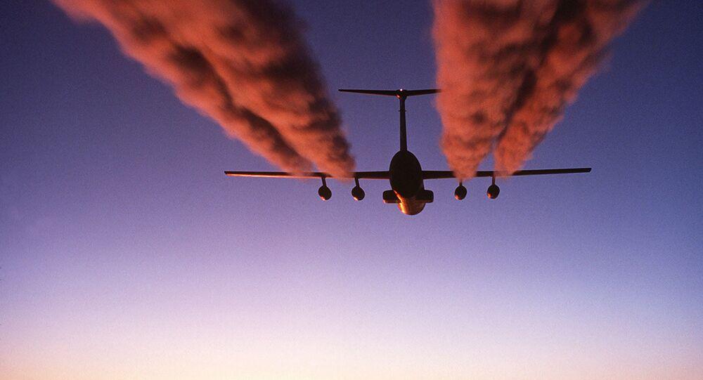 Estela de condensación (imagen referencial)
