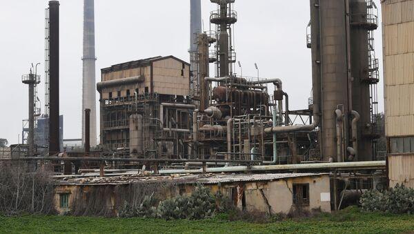 Una fábrica de fertilizantes químicos en Siria (archivo) - Sputnik Mundo
