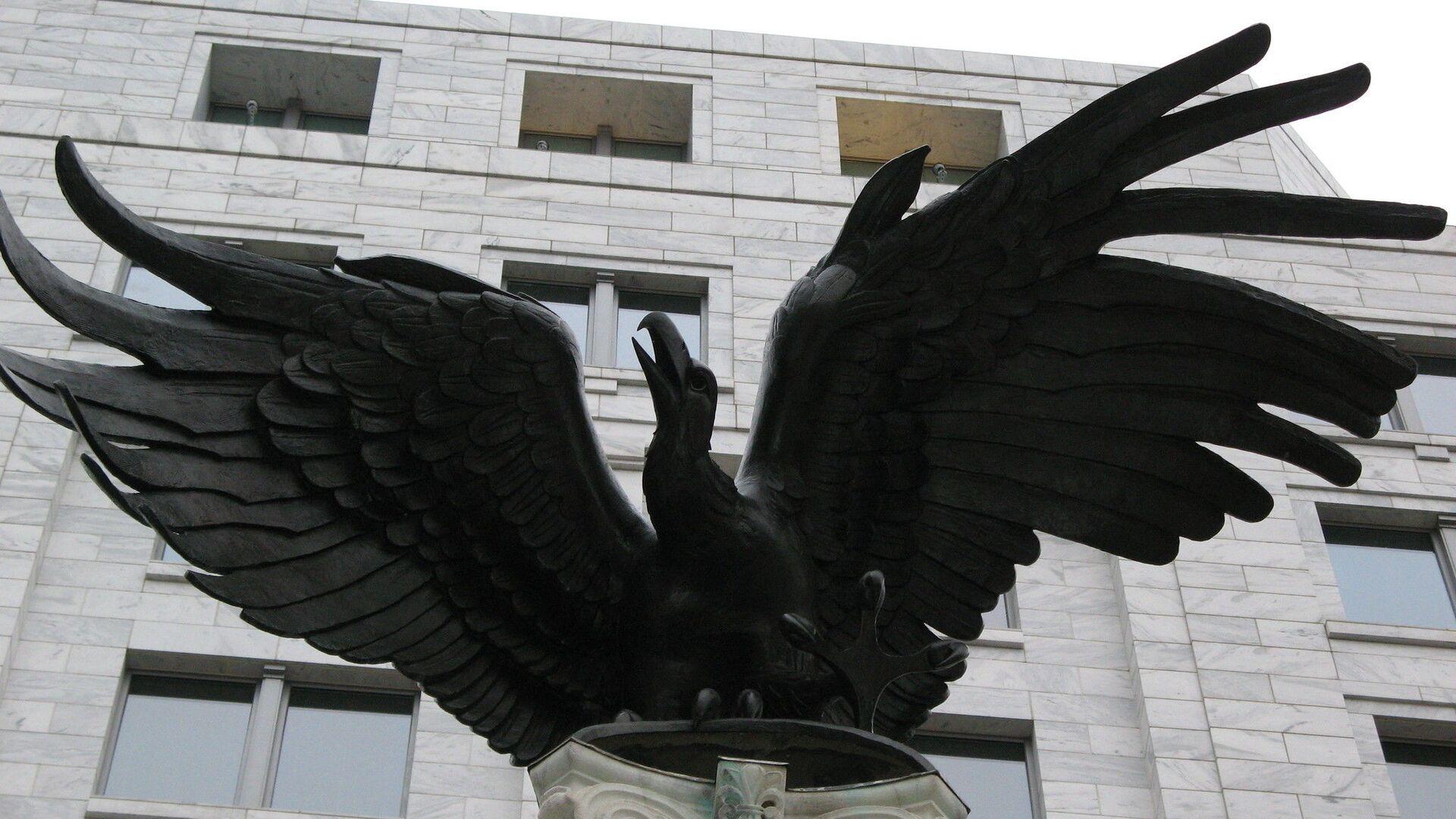 La estatua de águila cerca de la Reserva Federal de EEUU - Sputnik Mundo, 1920, 17.03.2021