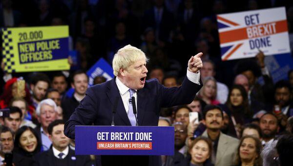 Boris Johnson, primer ministro de Reino Unido, durante una campaña legislativa, el 11 de diciembre de 2019 - Sputnik Mundo