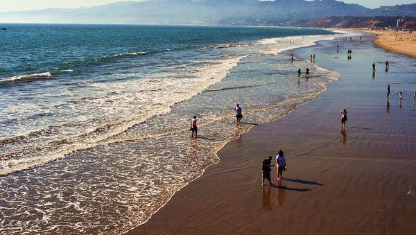 Una playa en California, referencial - Sputnik Mundo