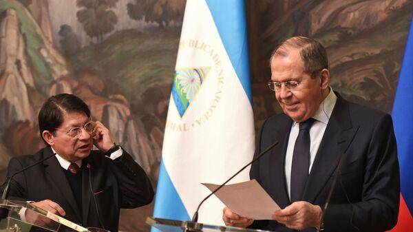 Canciller de Nicaragua, Denis Ronaldo Moncada Colindres, y el canciller ruso, Serguéi Lavrov - Sputnik Mundo