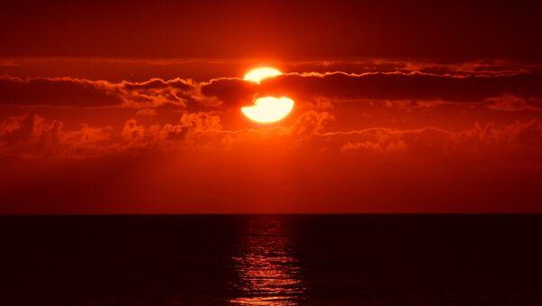 Una puesta del sol (imagen referencial) - Sputnik Mundo