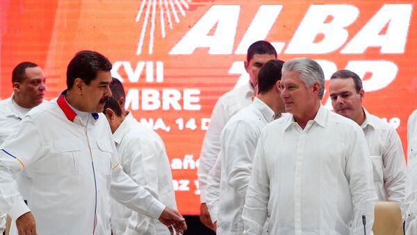El presidente de Venezuela, Nicolás Maduro junto al presidente de Cuba, Miguel Díaz-Canel - Sputnik Mundo