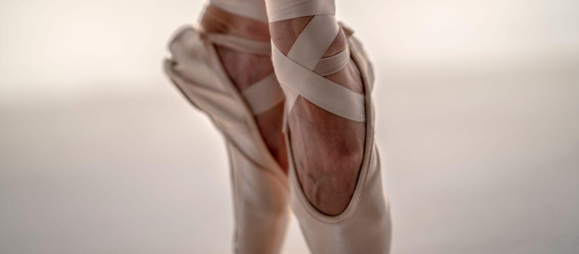 Los pies de una bailarina (archivo) - Sputnik Mundo, 1920, 15.12.2019