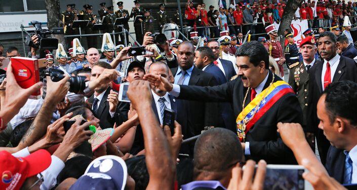 El presidente de Venezuela, Nicolás Maduro, llegando al Palacio Federal Legislativo