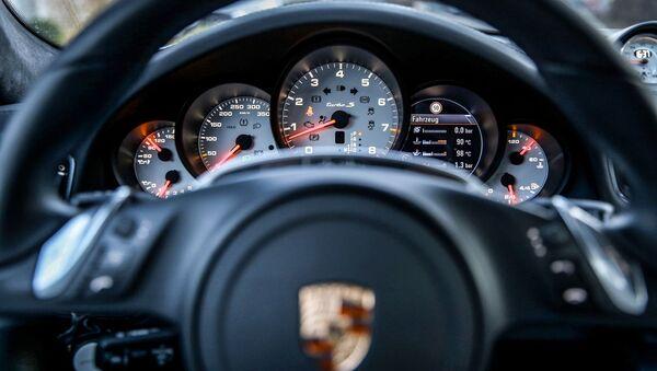 El volante del Porsche Turbo - Sputnik Mundo