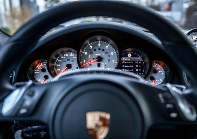 El volante del Porsche Turbo