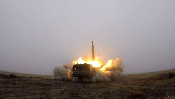 Así repelen los Iskander-M un ataque masivo del 'enemigo' - Sputnik Mundo