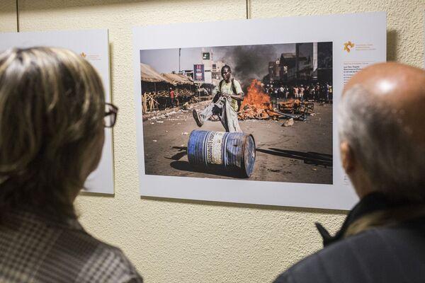 La exposición del concurso Andréi Stenin 2019 en Madrid - Sputnik Mundo