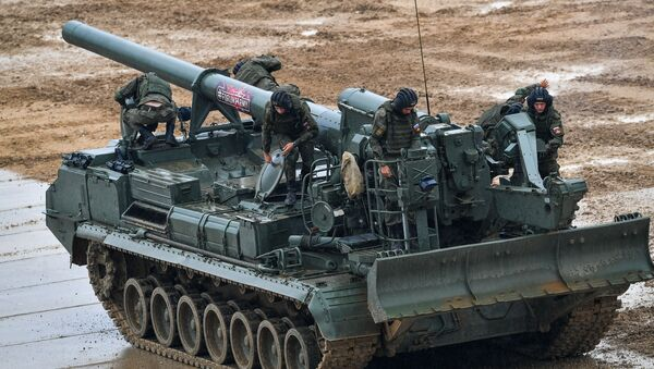 Los militares rusos en el cañón autopropulsado Malka - Sputnik Mundo