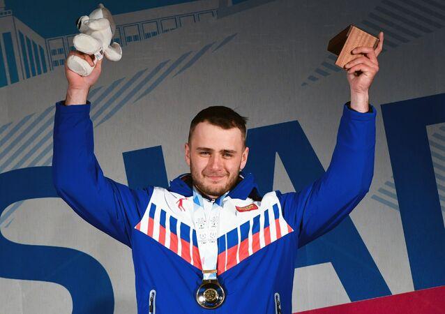 Nikita Avtanéev, múltiple campeón ruso de snowboard