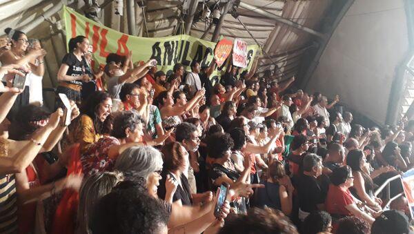El expresidente brasileño Luiz Inácio Lula da Silva agradece a artistas su apoyo durante su estancia en prisión y critica el desmonte de la cultura en el Gobierno de Jair Bolsonaro - Sputnik Mundo