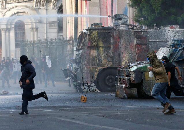 Ola de protestas en América latina