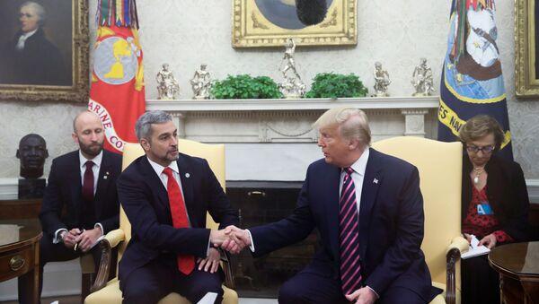 Donald Trump, presidente de EEUU, con su homólogo de Paraguay, Mario Abdo Benítez - Sputnik Mundo