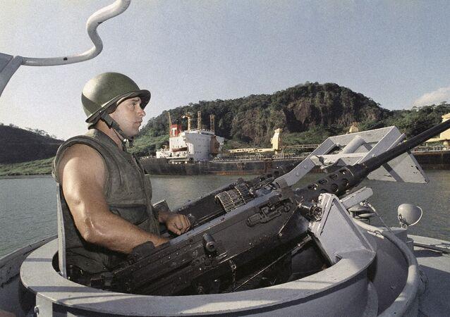 Soldado estadounidense en Panamá