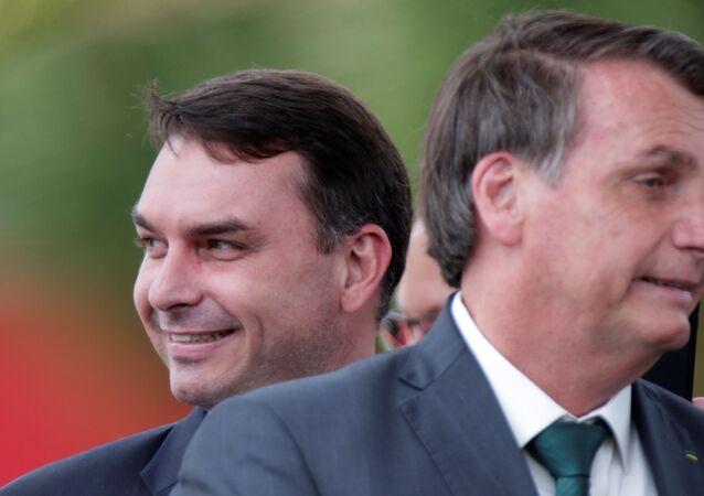 Flávio Bolsonaro y Jair Bolsonaro