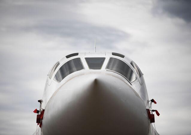 Un bombardero ruso Tu-160