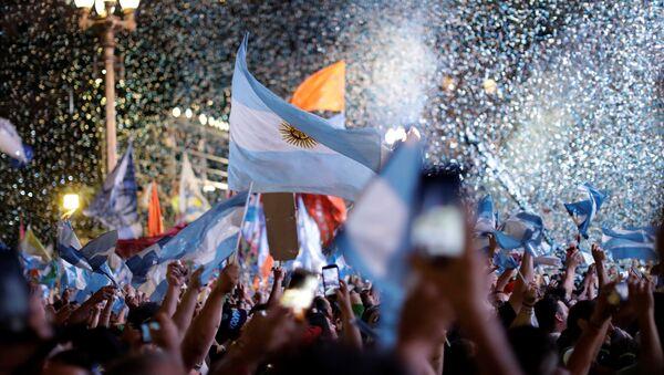 Los argentinos festejan la asunción de Alberto Fernández - Sputnik Mundo
