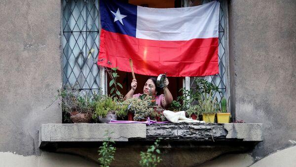 Un cacerolazo en Chile - Sputnik Mundo