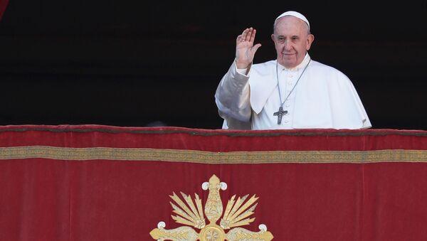 El papa Francisco durante su bendición 'Urbi et Orbi'  - Sputnik Mundo