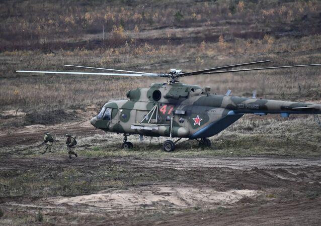 Un helicóptero Mi-8