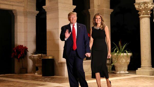 Presidente de EEUU, Donald Trump, con su esposa Melania  - Sputnik Mundo