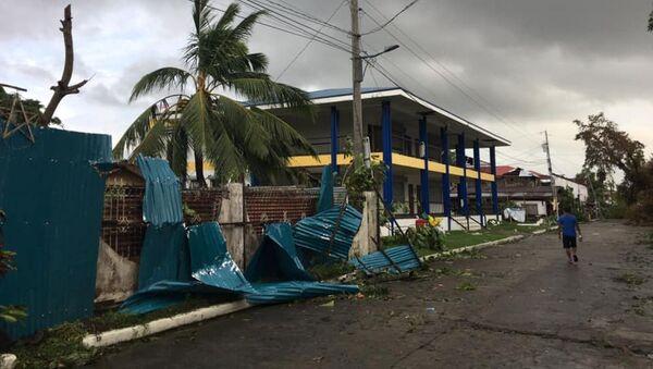 Consecuencias del tifón Ursula en Filipinas  - Sputnik Mundo
