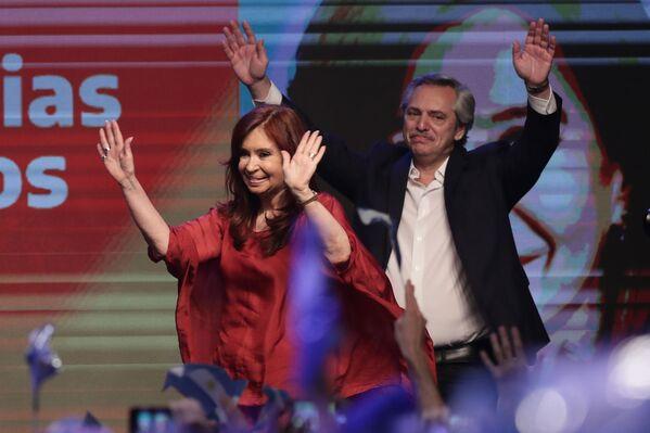 Alberto Fernández y Cristina Fernández celebran la victoria en las elecciones presidenciales de Argentina, el 27 de octubre de 2019 - Sputnik Mundo