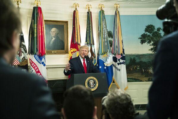 Donald Trump, presidente de EEUU, anuncia la muerte del líder terrorista Abu Bakr Bagdadi, el 27 de octubre de 2019 - Sputnik Mundo