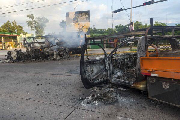 Consecuencias de los enfrentamientos en la ciudad de Culiacán (México), entre las fuerzas del orden y los sicarios de los cárteles, el 18 de octubre de 2019 - Sputnik Mundo