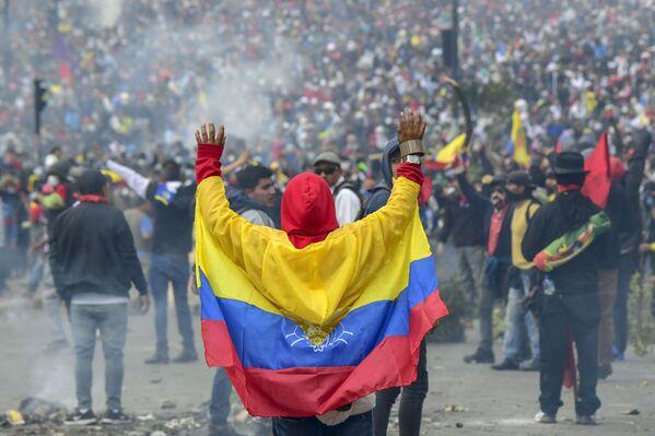 Protestas en Quito contra las medidas económicas del presidente Lenín Moreno, el 8 de octubre de 2019 - Sputnik Mundo