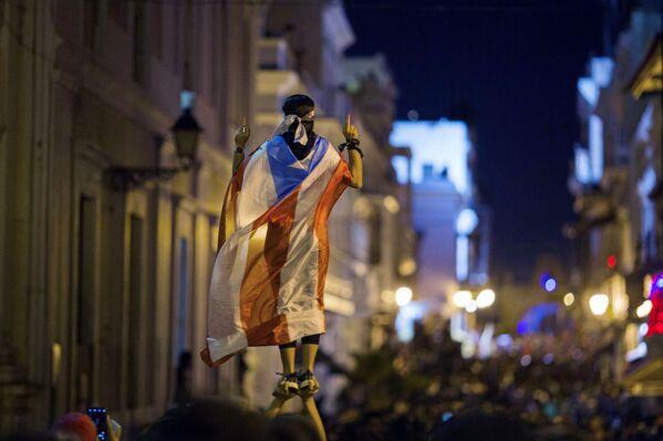 Manifestación en Puerto Rico por la resignación del gobernador Ricardo Rosselló, el 17 de julio de 2019 - Sputnik Mundo