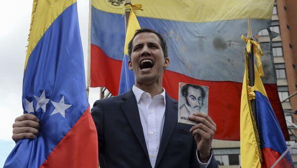 Juan Guaidó, político venezolano, juramenta como presidente encargado de Venezuela, el 23 de enero de 2019 - Sputnik Mundo